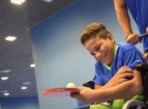 Alunos de Diadema fazem aulas de tênis de mesa, atletismo, natação, judô, goalball, bocha, voleibol sentado, e futebol de 5. Foto: Thiago Benedetti/PMD