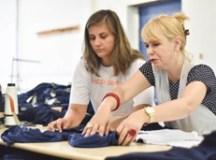 Em projeto social, moradoras confeccionam uniformes para alunos de Ribeirão Pires