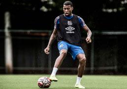 Jean Lucas nega vexame do Santos:  'Tinha um excelente time do outro lado'