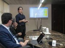 Seno apresentou balanço do instituto no gabinete do prefeito. Foto: Alex Cavanha/PSA