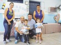 Alunos da Emeb Eva Maria dos Santos receberam kits ontem. Foto: Thiago Benedetti/PMD