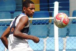 Hernandes quer se firmar no São Caetano durante a Série D
