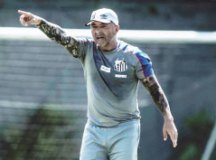 Santos tenta abrir vantagem contra sensação Red Bull