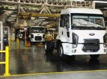 Fábrica de São Bernardo produz os caminhões Cargo e da Série F, além do hatch Fiesta