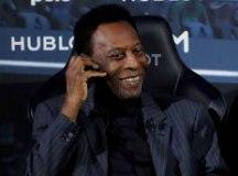 Ainda internado em Paris, Pelé revela melhora e brinca no Twitter: 'Estou pronto para jogar'