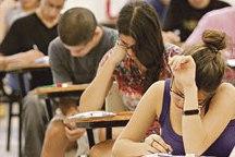 Falência de gráfica do Enem e crise no MEC causa apreensão entre alunos