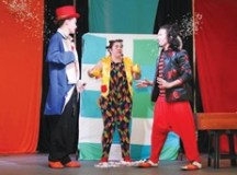 """Golden Square Shopping apresenta """"Os Palhaços Mágicos"""" no próximo domingo"""