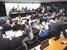 Bolsonaro faz lobby por policiais, mas acordo é rejeitado