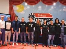 Singular lança Programa Bilíngue para seus alunos