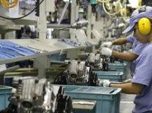 Faturamento da indústria cresce 2% em julho, mas emprego cai