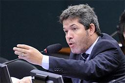 Delegado Waldir: governo 'não existe' e Bolsonaro está 'comprando' deputados