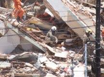 Bombeiros confirmam terceira morte no desabamento em Fortaleza