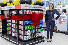 Coop inaugura expositor para cartões de presente e pré-pagos de padrão internacional