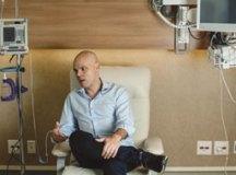 'Havendo forças para continuar, continuo', afirma Bruno Covas após deixar UTI
