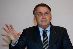 Bolsonaro assina texto de reforma administrativa