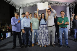 Prefeitura de Santo André entrega 176 matrículas a moradores do Conjunto Habitacional Procópio Ferreira
