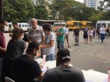 Prefeitura de São Bernardo entrega cestas de alimentos aos profissionais do transporte escolar