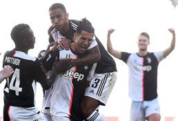 Cristiano Ronaldo marca mais um gol na vitória da Juventus sobre o Torino