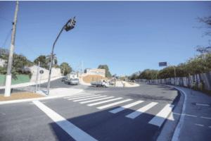 Prefeitura inaugura rotatória na Estrada Samuel Aizemberg