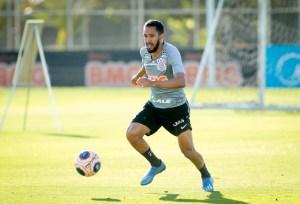 """Esperando """"ajuda"""" do São Paulo, Corinthians busca classificação contra o Oeste"""