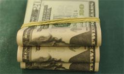 Com exterior positivo, Bovespa fecha em alta de 0,77%, e dólar cai. Foto: Marcello Casal/Agência Brasil