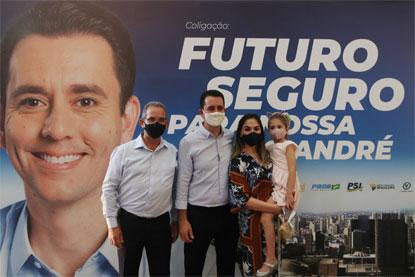 """Zacarias, Serra e Ana Carolina: """"Estamos elaborando um grande plano de governo, que conduziremos do mesmo modo que fizemos até aqui, com tranquilidade, transparência e equilíbrio"""". Foto: Divulgação"""