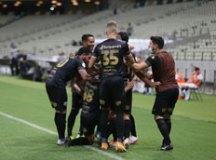 Ceará vence de virada e deixa o Corinthians na zona de rebaixamento