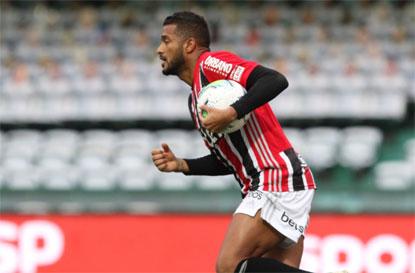 São Paulo só empata com o Coritiba e mantém jejum de vitórias