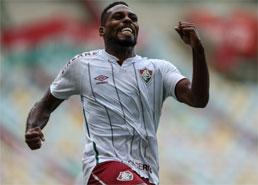 Fluminense vence Santos no Maracanã e sobe para o 4º lugar no Brasileirão