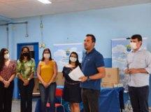 Entrega simbólica dos equipamentos ocorreu na EMEB Jorge Amado, no bairro Taboão. Foto: Adriana Horvath/PMD