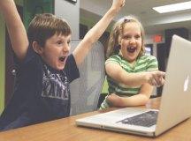 Segundo Flávia Schimith Escrivão, cabe à família ensinar a crianças e jovens etiqueta online. Foto: StartupStockPhotos/Pixabay