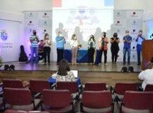 Com número menor de presentes, estudantes foram homenageados com fotos colocadas nos assentos do auditório. Foto: Mauro Pedroso/PMD