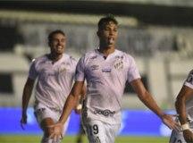 Santos atropela o Grêmio na Vila e se garante na semifinal da Libertadores