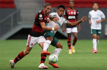 Flamengo derrota o Palmeiras e entra com força na briga pelo título do Brasileiro