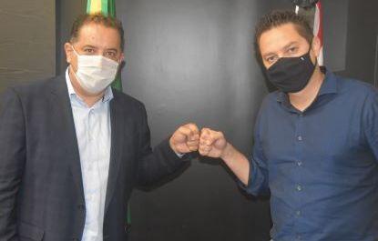 Oliveira e Vinholi, durante reunião nesta quinta-feira no Palácio dos Bandeirantes. Foto: Divulgação