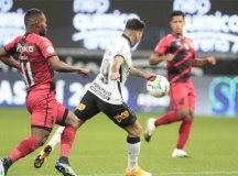 Em jogo de seis gols, Corinthians e Athletico-PR empatam pelo Brasileirão