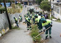 """Jogue Limpo com Diadema"""" já tirou das ruas quase 900 toneladas de entulho. Foto: Dino Santos/PMD"""