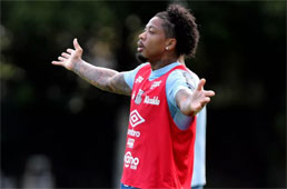 Marinho e Kaio Jorge treinam forte para voltar ao time titular do Santos