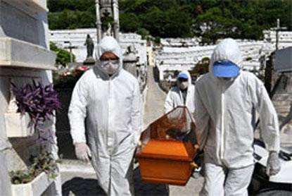 Com recorde de mortes, governo de SP avalia fase vermelha em todo o Estado