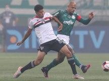 Palmeiras e São Paulo empatam sem gols no primeiro jogo da final do Paulistão