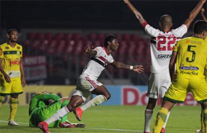 São Paulo passa fácil pelo Mirassol e faz final do Paulista com o Palmeiras