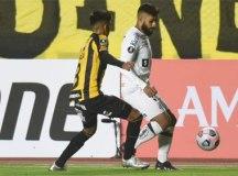 Santos perde na altitude de La Paz e se complica na Libertadores