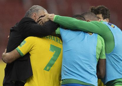 Brasil derrota o Equador e mantém a liderança das Eliminatórias da Copa