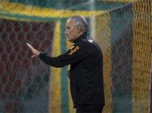 CBF trabalha com a chance de pedido de demissão de Tite após jogo no Paraguai