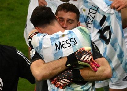 Argentina derrota a Colômbia nos pênaltis e fará clássico com o Brasil na final