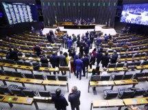 Câmara aprova texto-base da MP sobre programa emergencial de emprego e renda