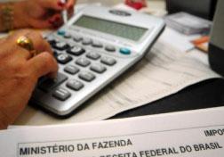 Reforma do IR vai empurrar empresas para endividamento, dizem economistas