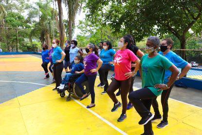 Um grupo de mulheres de Diadema que começou fazendo ginástica, virou programa municipal e completa hoje 32 anos de atividade. Foto: Igor Andrade/PMD