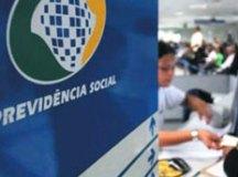 Bolsonaro veta dispensa da prova de vida no INSS