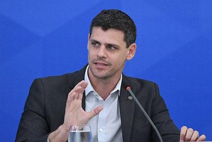 Secretários de Guedes pedem demissão após revisão no teto de gastos